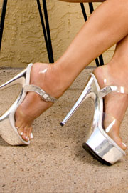 Ellie Shoes AttractiveWear.net